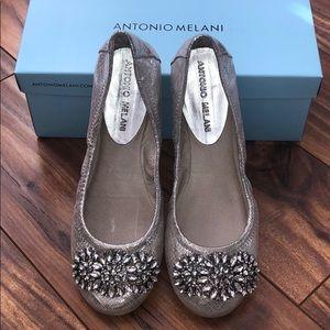 Antonio Melani Flats